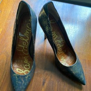 Sam Edelman black and gold stunners. New in box